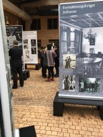Näyttely luotaa Vivica Bandlerin historiaa koko hänen elämänsä ajalta.